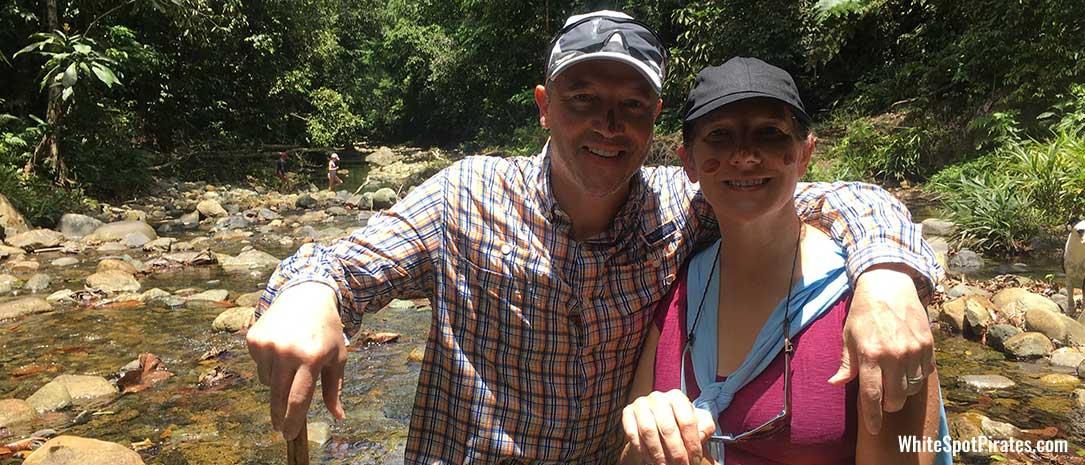 San Blas adventures: happy charter guests